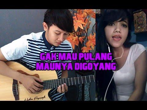 (Iva Lola) Gak Mau Pulang Maunya Digoyang - Nathan Fingerstyle & April Shue Cover