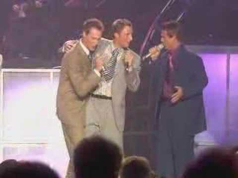 Ernie Haase & Signature Sound - Trying To Get A Glimpse