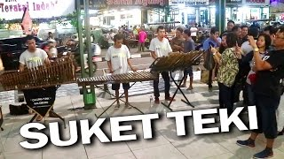 Download Lagu SUKET TEKI - Angklung Malioboro (Pengamen Jogja) Lihat Lebih Dekat Gratis STAFABAND