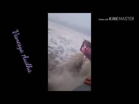Palu Dilanda Tsunami Pasca Gempa 7,7 SR Di Donggala Sulawesi Tengah (Indonesia Berduka)