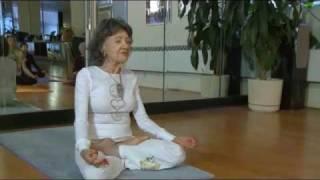Ky luc the gioi - Giao vien Yoga gia nhat the gioi - 92 tuoi