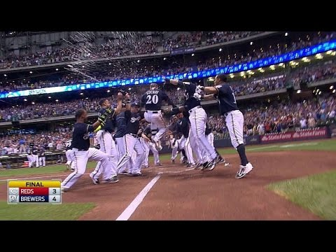 Lucroy blasts walk-off homer in the 9th