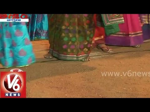 People worshiping Bathukamma without leaving footwear - Teenmaar...