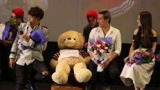 Nhã Phương được thay bằng gấu bông dự họp báo phim Yêu đi đừng sợ