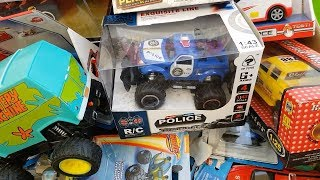 Box full of cars Toys  batman maisto hot wheels my new cars video  for kids Caja llena de coches