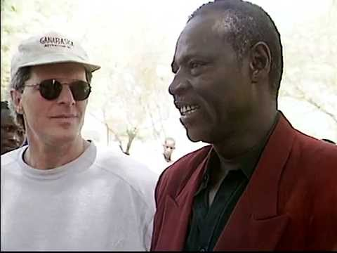 Bruce Cockburn jams with Ali Farka Toure