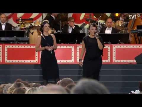 Lise och Gertrud-Birkastan LIVE.Allsång på Skansen 2014.