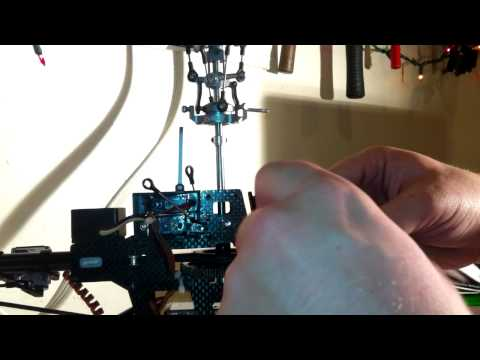 RC Helicopter E-Razor 450 Replacing the Main gear