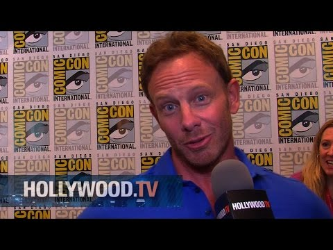 Sharknado 2 attacks Comic Con - Hollywood.TV