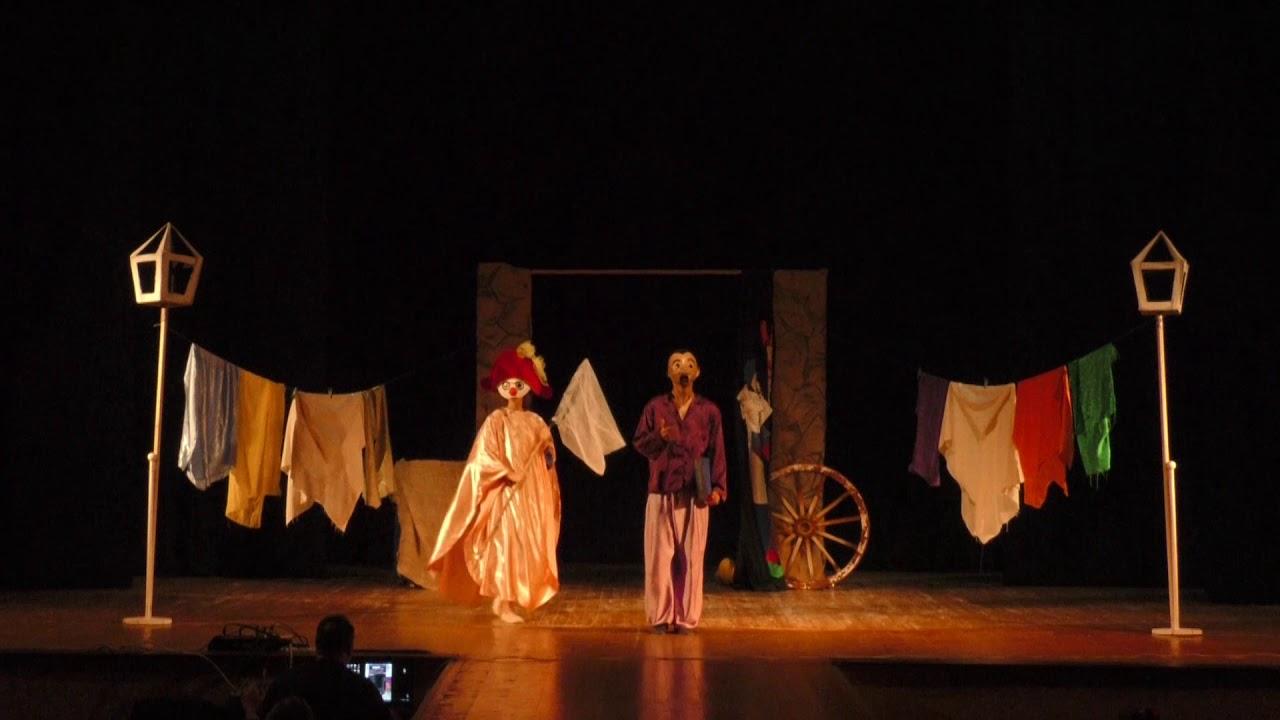 23 маски від Карачуна і «Піноккіо» від Коллоді. Калуський театр представив прем'єру
