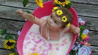 Baby milk bath photo session - Mia