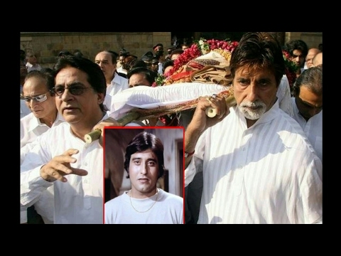 Actor Vinod Khanna dead at 70, he was suffering from cancer ...RIP . thumbnail