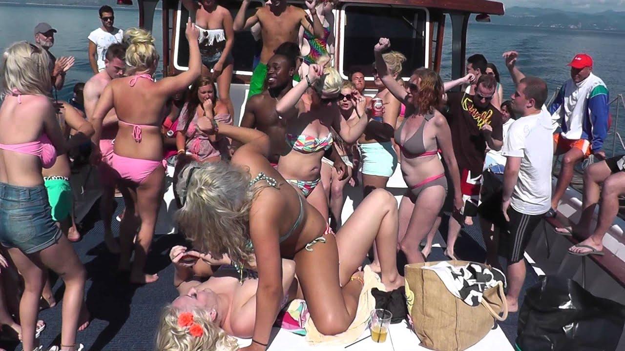 womens changeroom naked gif