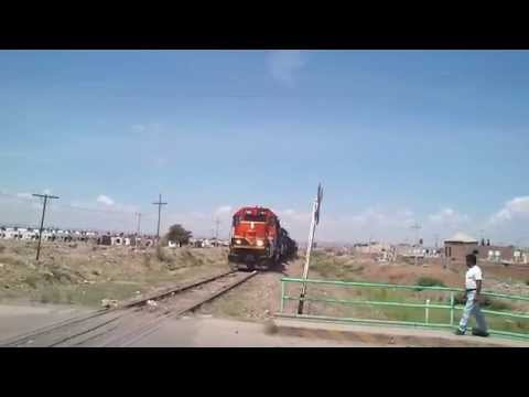 LFCD: SD40-2 7165, U23B 3961.-youtube