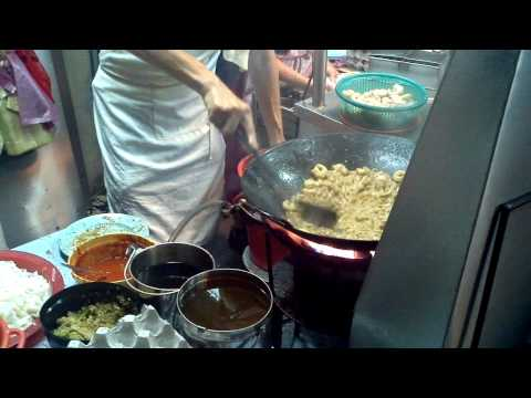 Penang Road Char Koay Teow video