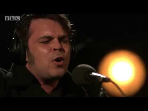 Gaz Coombes - Caught By The Fuzz (Live at Maida Vale)