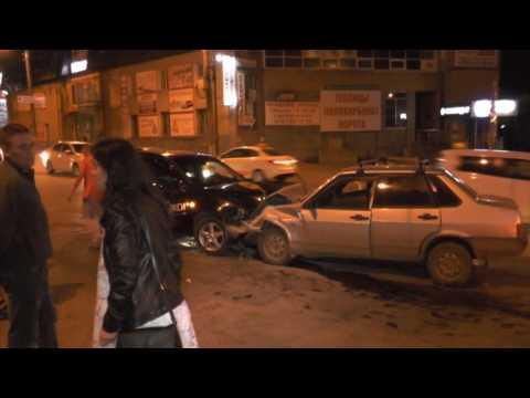 Пьяный ГАИшник из Слободского спровоцировал ДТП. Место происшествия 07.08.2017