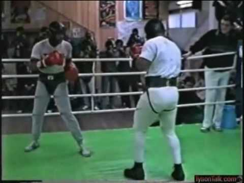 Mike Tyson  SPARRING  in Japan Image 1