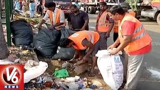 GHMC Workers Face To Face Over City Cleaning After Ganesh Immersion | Hyderabad