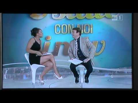 Francesca Manzini imita Simona Ventura a Estate con noi in tv