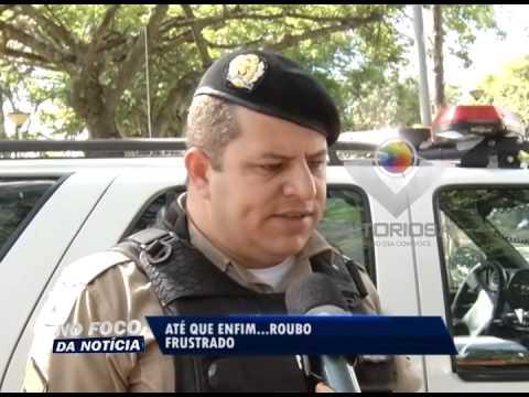 Comerciante persegue homens que roubaram malote e recupera R$ 2,5 mil