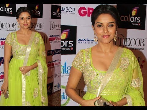 Asin Looking Gorgeous Cleavage With Green Chudidar... thumbnail
