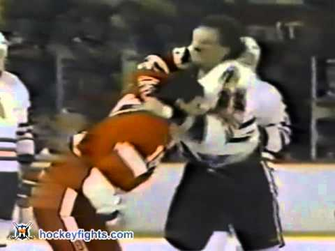 Kris King vs Bob McGill Mar 19, 1989