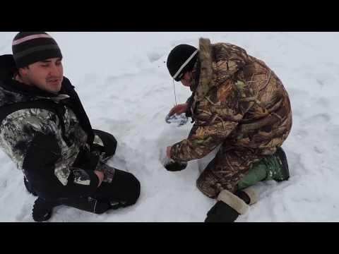 видео о ловле налима на урале