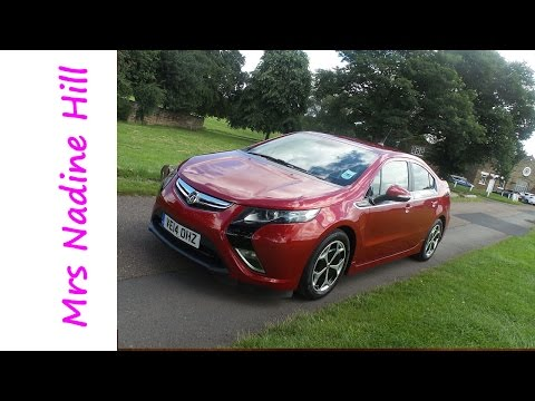 60 Seconds of Family Life in the Vauxhall Ampera #GoUltraLow Electric Car!