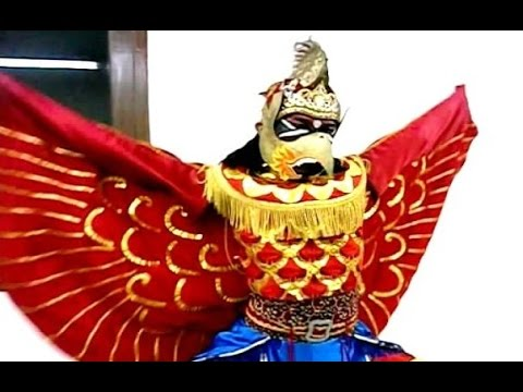 JATAYU - Kostum & Make Up Tari Jawa - Javanese Dance Costume [HD]