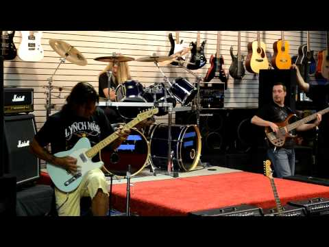 George Lynch at Music Biz Arlington Tx.