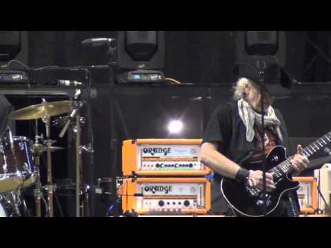 Brad Whitford (aerosmith) Boston soundcheck 7-19-12