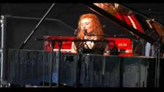 Watch Tori Amos Northern Lad video