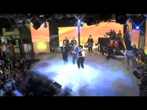 Gilberto Santa Rosa Medley con los Pelaos con Salsa