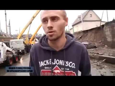 В Красноярске на проезжую часть обвалилась бетонная стена