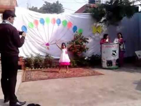 mahi dance on.....ghode jaisi chaal  haathi jaisi dum