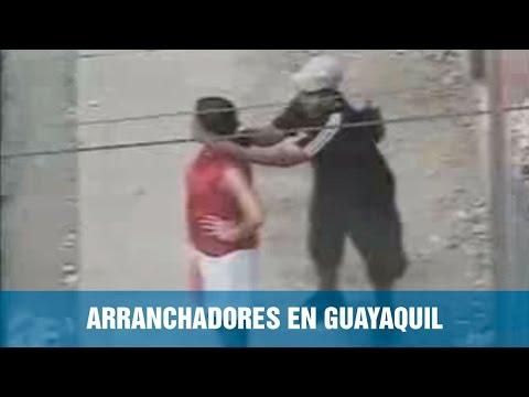 Así operan delincuentes bajo la modalidad de arranchadores en el centro de Guayaquil