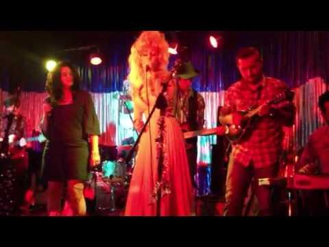 A Country Christmas Concert: Dolly Parton - Blue Christmas