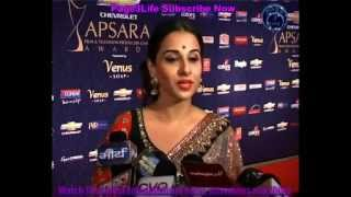 Kareena Kappor at 7th Chevrolet Apsara Awards 2012 Red Carpet in Mumbai2012 Apsara Awards Red Carpet