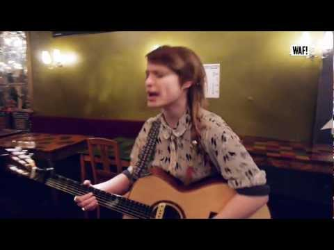WALLIS BIRD - I'M SO TIRED OF THAT LINE (Acoustic)