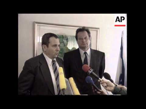 ISRAEL/GAZA: ISRAEL WARNS ARAFAT TO CLAMP DOWN ON MUSLIM MILITANTS