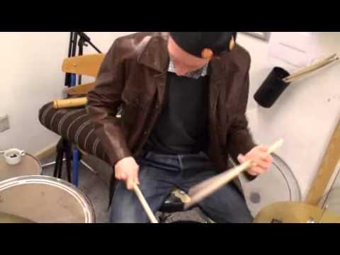 Lasse på trommer