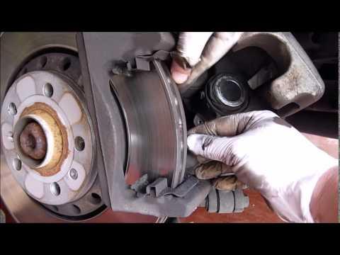 Changing Brake Pads Bmw 3 Series E90 Autos Post