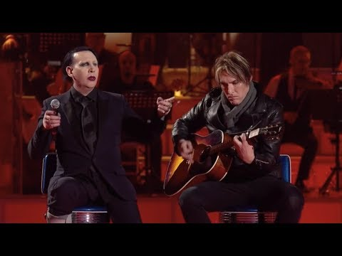 Marilyn Manson and Tyler Bates performing Sweet Dreams (Acoustic) live on italian TV show MUSIC