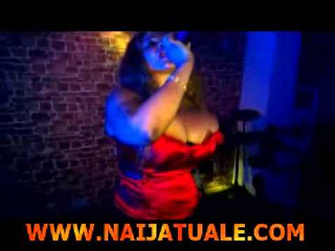 Cossy Orjiakor Expose Boobs While Performing