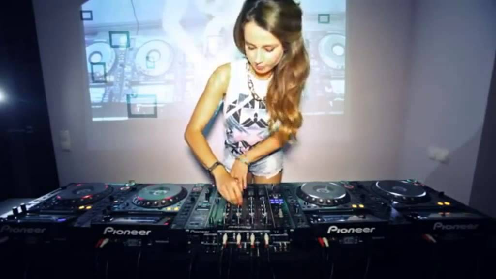 Electro Dance Music Perform By: Female DJ Juicy M 2015 - YouTube