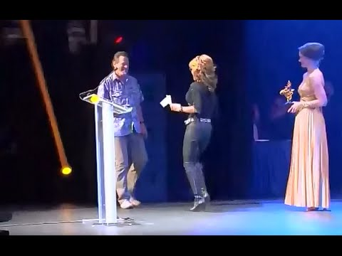 • Sarah Palin Presents 'Fan Favorite' to Ted Nugent at Golden Moose Awards • 1/22/15 •