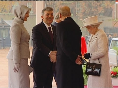 The Queen's look of horror at Turkish first lady's footwear