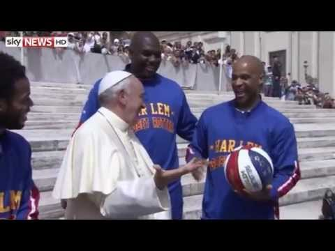 Pope Francis Impresses The Harlem Globetrotters With Basketball Skills