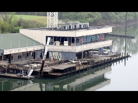 Chattanooga barge leaves city after six years